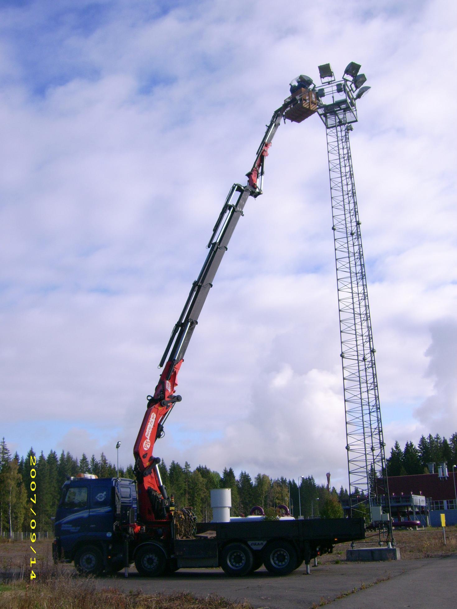 Erikoiskuljetukset ja Nostopalvelut  Kuljetus Nokkanen Oy